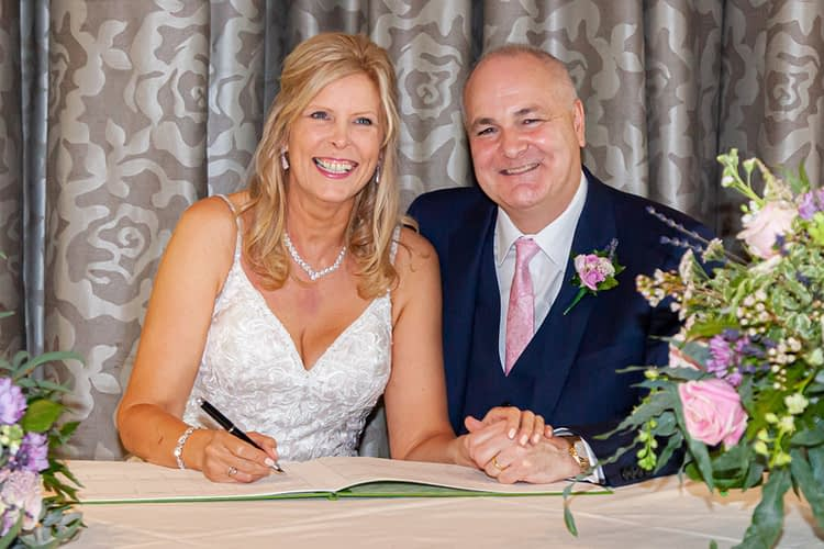 wedding photographer hertfordshire buckinghamshire bedfordshire berkshire